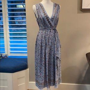 Max Studio  sleeveless dress.   NWT  Medium